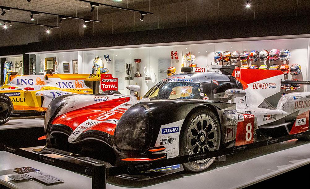 Visita al Museo de Fernando Alonso